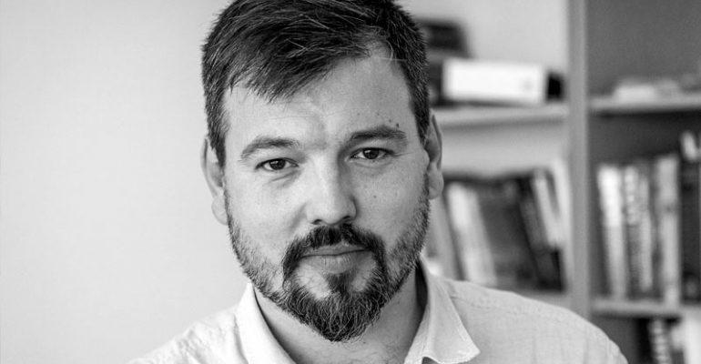 O probuđenim Bošnjacima i pehlivanima: Čitajući rijetku ljudinu Enesa Ratkušića