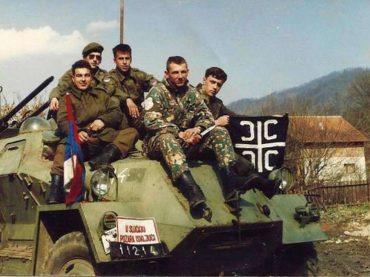 Vojnici VRS-a i HVO-a igrali prijateljsku fudbalsku utakmicu u vrijeme srpskog napada na Orašje