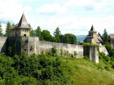 Stari grad Ostrožac: Neuništivi čuvar lijeve obale Une