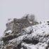 Sokograd gore na stijeni kao kakva zasjeda
