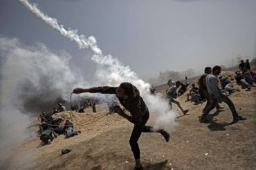 Sukob izraelskih kuršuma s palestinskim tijelima