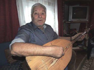 Munib Kajtezović, samouki majstor i svirač: Vilenjak uz šargiju