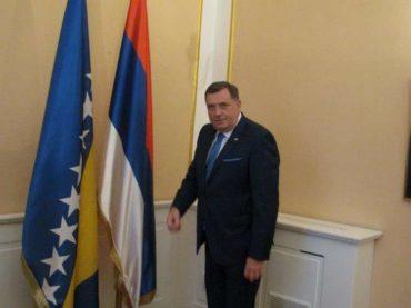 Sve što trebate znati o krijumčarenju zastave RS u Predsjedništvo BiH