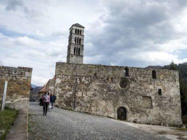 Šovinistička uljudba: Kroatizacija i potkatoličavanje Jajca