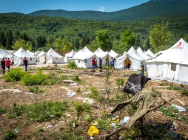 """""""Stav"""" u kampu Vučjak kod Bihaća: Svi kritikuju, niko ne pita kako je raditi ovdje"""