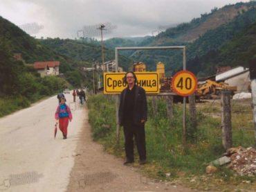 FOTO/ Peter Handke u Srebrenici nakon genocida