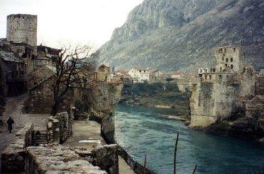 Rušenje Starog mosta hrvatskoj politici i dalje je legitiman vojni cilj