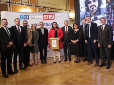 """Nagrada """"25. novembar"""": Tvrtku Kulenoviću za životno djelo, Asmiru Kujoviću za knjigu godine"""