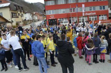 """""""Hajmo, Bosno"""" u Srebrenici i nesalomljivi prkos bošnjački"""