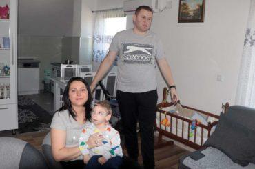 UKC Tuzla – istinsko mučilište za porodilje i bebe (2): Zdravoj bebi na porodu oštetili mozak