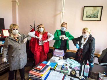 """Članice Udruženja žrtava rata """"Foča 92-95"""": Šiju maske, spašavaju živote"""