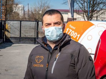 """Elvir Karalić, osnivač humanitarne organizacije """"Pomozi.ba"""": I za vrijeme pandemije dnevno dijele hiljadu obroka"""