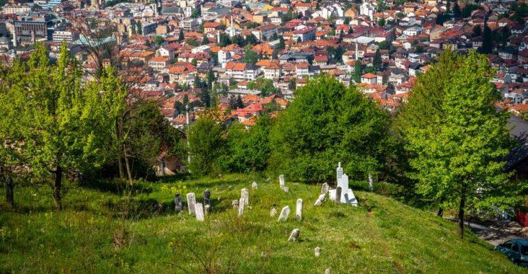 Grad koji mrtve sahranjuje u nebo