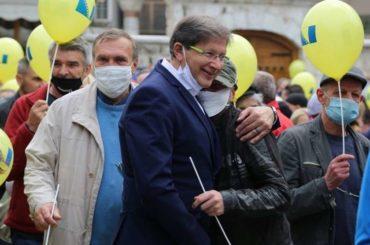 Hadžikadićevih pristalica i Rusa – trista miliona