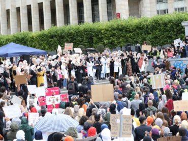 Hiljade demonstranata u Briselu se protive zabrani nošenja hidžaba