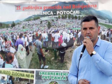 """Na Trgu slobode u Tuzli postavljena izložba """"Srebrenički put pakla"""""""