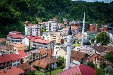 """Kampanju u Srebrenici počeli su nazivajući Bošnjake """"psima"""", """"đavolima"""" i pjevajući o """"Aliji baliji"""""""