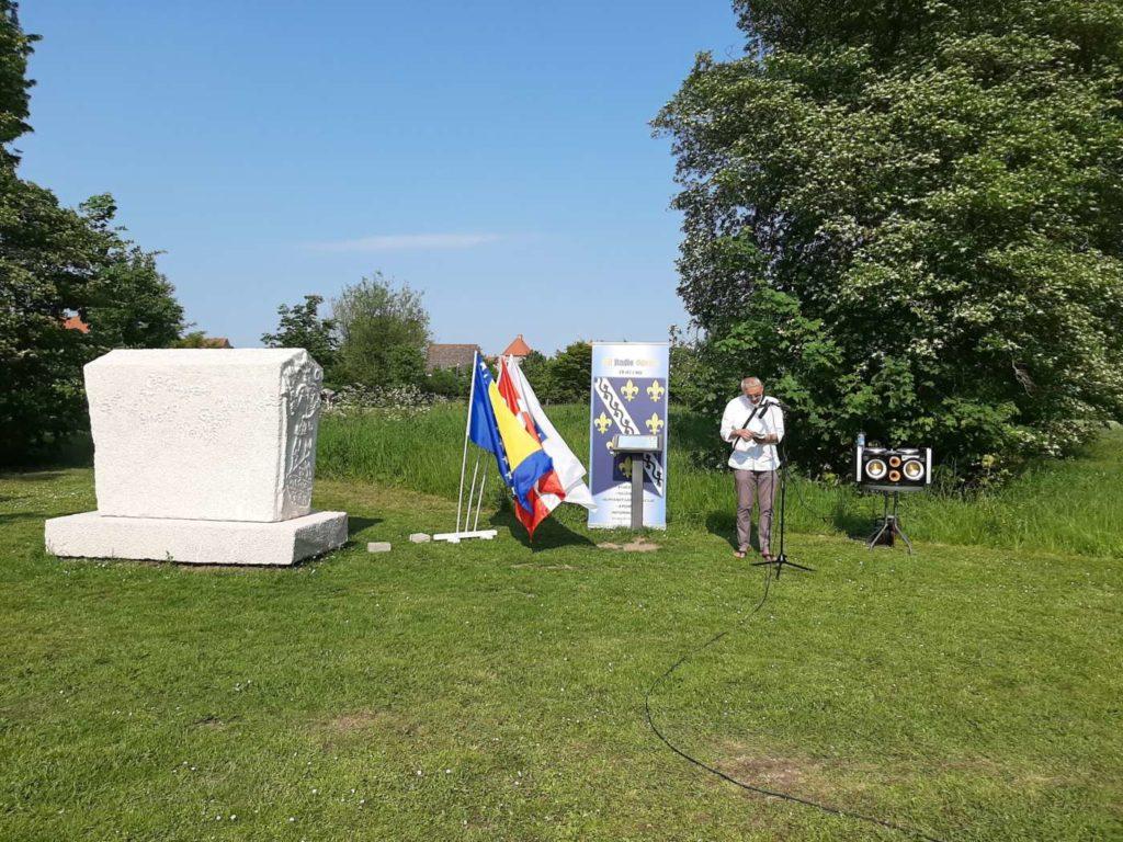 Meho Selman na obilježavanju Dana danskog ustava ispred replike bosanskog stećka u Odenseu