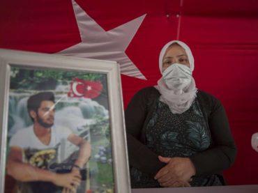 Majke u Diyarbakiru protestuju već 353 dana: Sklonite vaše prljave ruke od naše djece