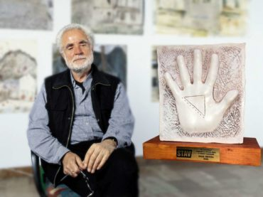 """Nagrada """"25. novembar"""" za životno djelo iz oblasti umjetnosti likovnom umjetniku Halilu Tikveši"""