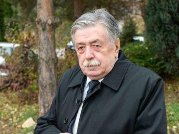 """Esad Zgodić, profesor emeritus, dobitnik ovogodišnje Nagrade """"25. novembar"""" za knjigu godine: Bosna je vječna"""