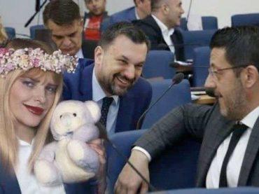"""ZA GRAM VIŠE: Cicciollina je za """"Četvorku"""" moralna vertikala"""